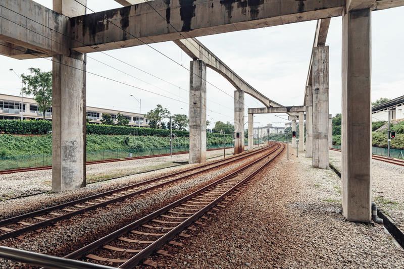 空的KLCC铁路近的驻地在吉隆坡,马来西亚 图库摄影