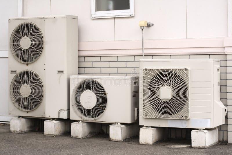 空调器安装 免版税库存图片