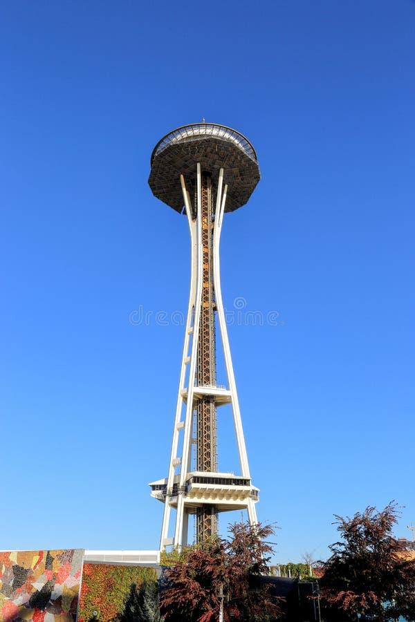 空间针看法在从地面的西雅图华盛顿 免版税库存图片