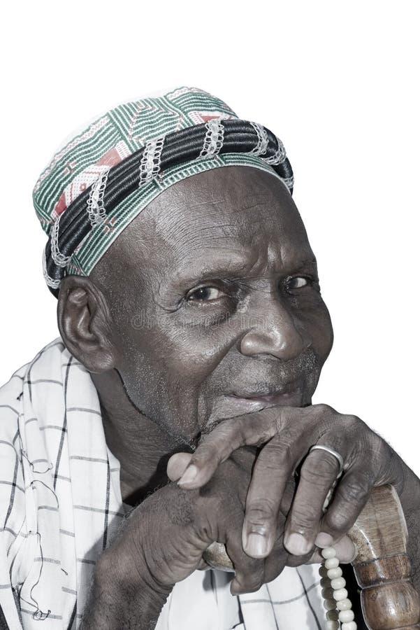 穿传统衣物的老非洲人,被隔绝 免版税图库摄影