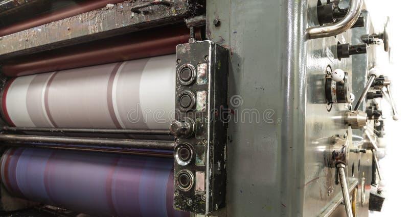 穿孔机器和印刷品卡片 库存照片