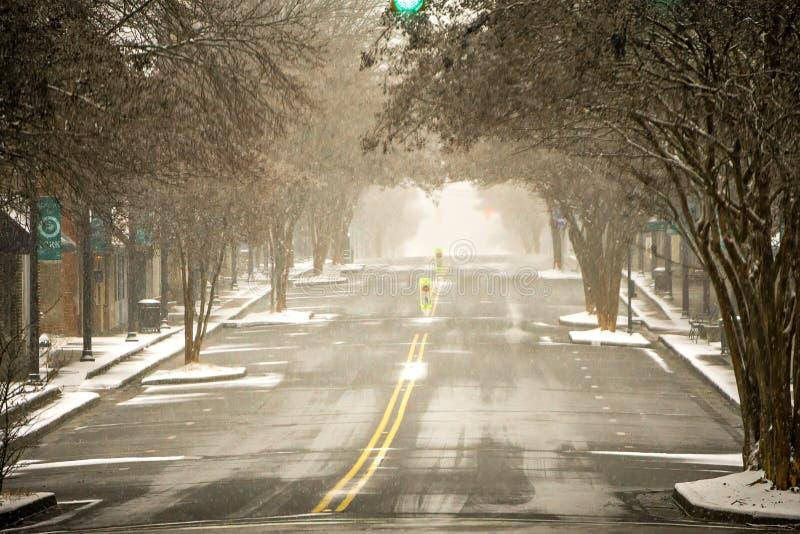 穿过约克南卡罗来纳街市的冬天风暴 库存图片