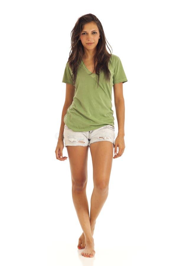 突出t妇女年轻人的衬衣短裤 库存照片