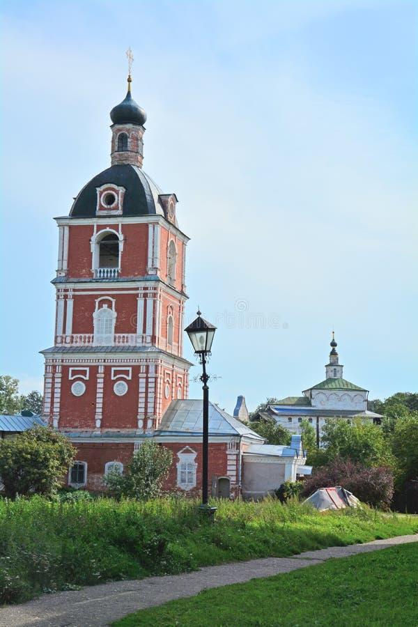 突然显现和尼古拉斯的教会Wonderworker& x27;教会在Dormition Goritsky修道院里在Pereslavl-Zalessky,俄罗斯 免版税库存照片