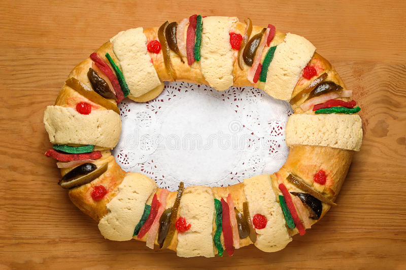 突然显现蛋糕,国王结块,罗什卡de雷耶斯或Roscon de雷耶斯 库存照片