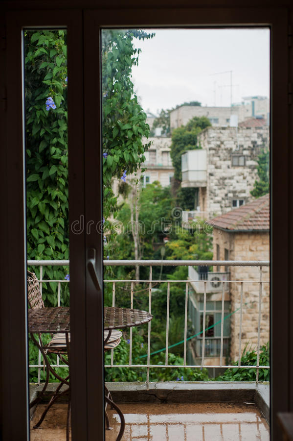 窗口在一个雨天 免版税库存图片