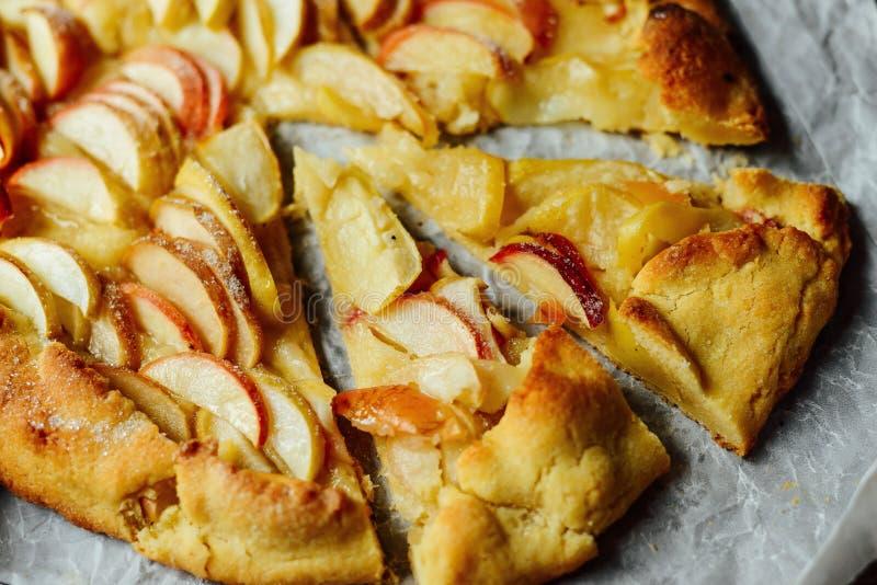 立即可食自创有机苹果饼的点心 在ta的苹果饼 库存图片