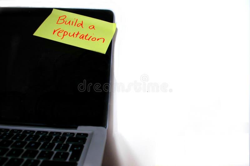 建立名誉备忘录被困住对计算机 免版税库存图片