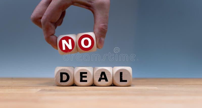 立方体形成词'没有成交' 免版税库存图片