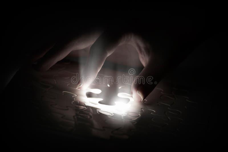 Download 竖锯的前个元素 库存照片. 图片 包括有 合作, 问题, 焕发, 关键字, 隐喻, 特写镜头, 符合, 帮助 - 59105976