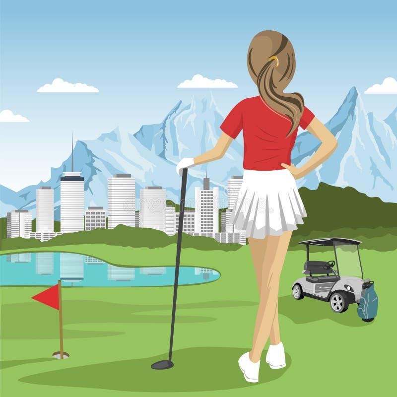 站立与高尔夫俱乐部的年轻高尔夫球运动员女孩看湖、城市和山 皇族释放例证