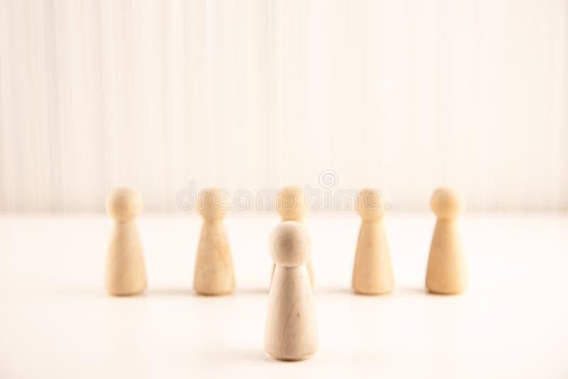 站立从人群的人们 人力资源,天分管理,补充雇员,成功的企业组长conce 免版税图库摄影