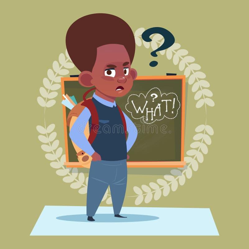 站立在与问题标志男小学生教育横幅的类板的小非裔美国人的男生 向量例证