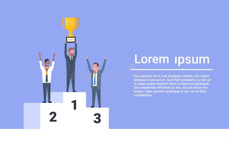 站立在优胜者指挥台商人领导人的愉快的商人举行奖杯公司成功概念 库存例证