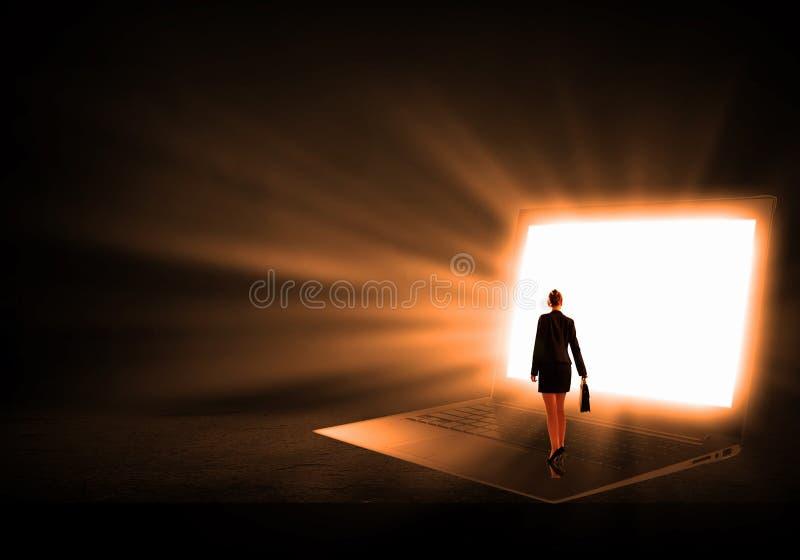 Download 站立在大膝上型计算机的妇女 库存图片. 图片 包括有 布鲁斯的, 数字式, 社会, 立场, 女孩, 教育 - 59105299