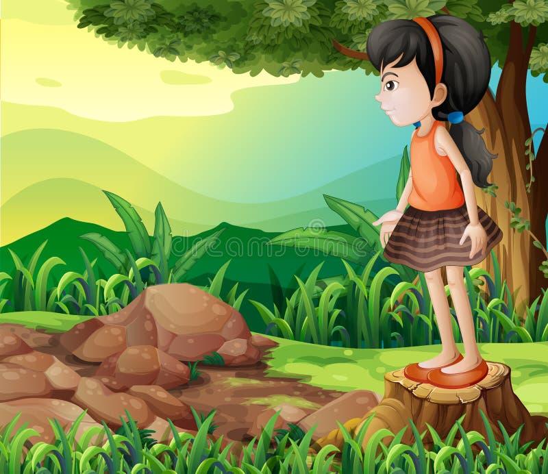 站立在树桩上的一个小女孩 皇族释放例证