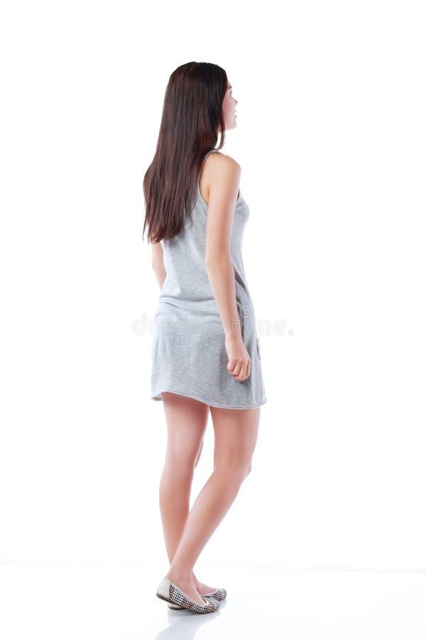 站立姿势的女孩 免版税库存照片