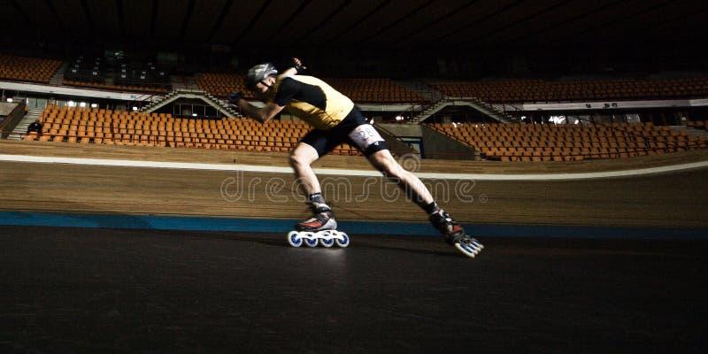 竞争四轮溜冰 图库摄影