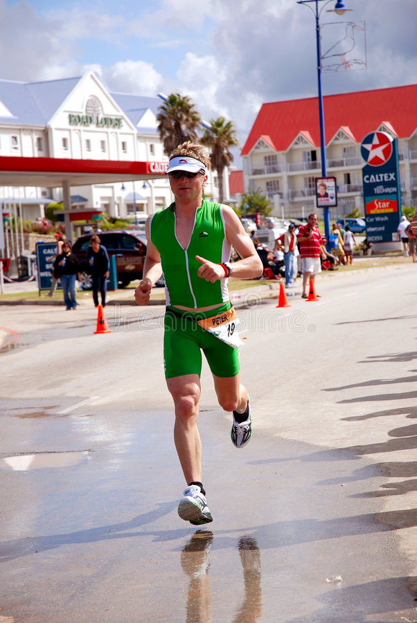 竞争的triathlete 免版税库存照片