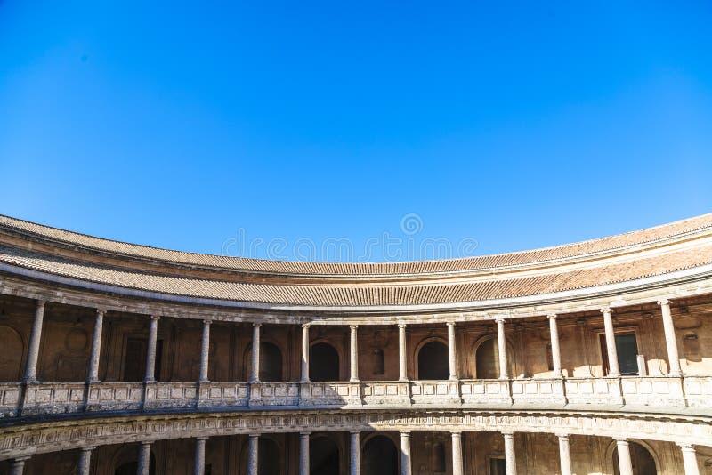 竞技场在宫殿阿尔罕布拉复合体的卡洛斯5在格拉纳达,西班牙 免版税库存照片