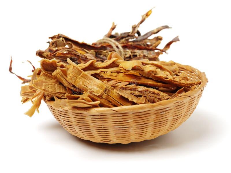 竹子是烹调烹调使用的特殊大阳台将的干桂林图象longji射击的瓷汉语 这些玉兰用于烹调特别汉语 库存图片