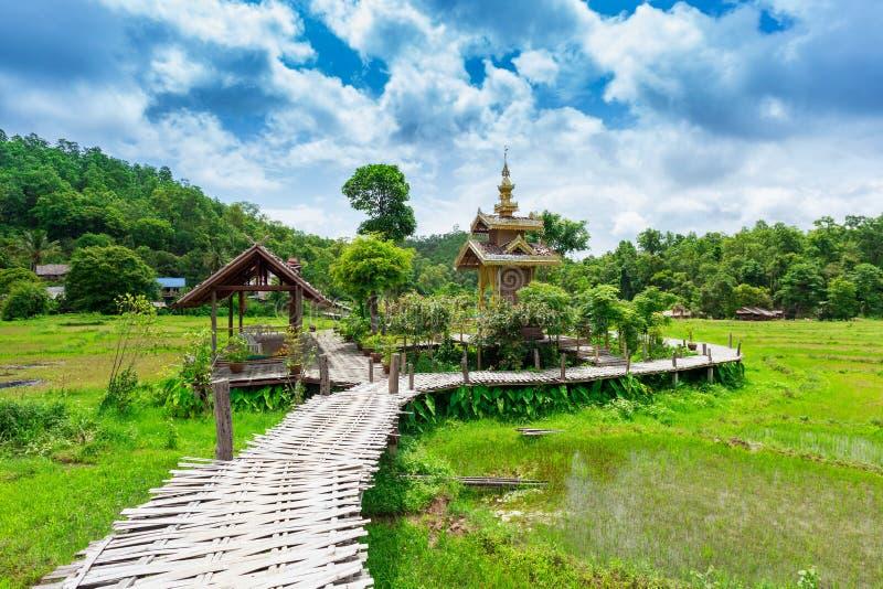 竹桥梁恩赐在Pai的Ko如此Ku;泰国 免版税库存照片