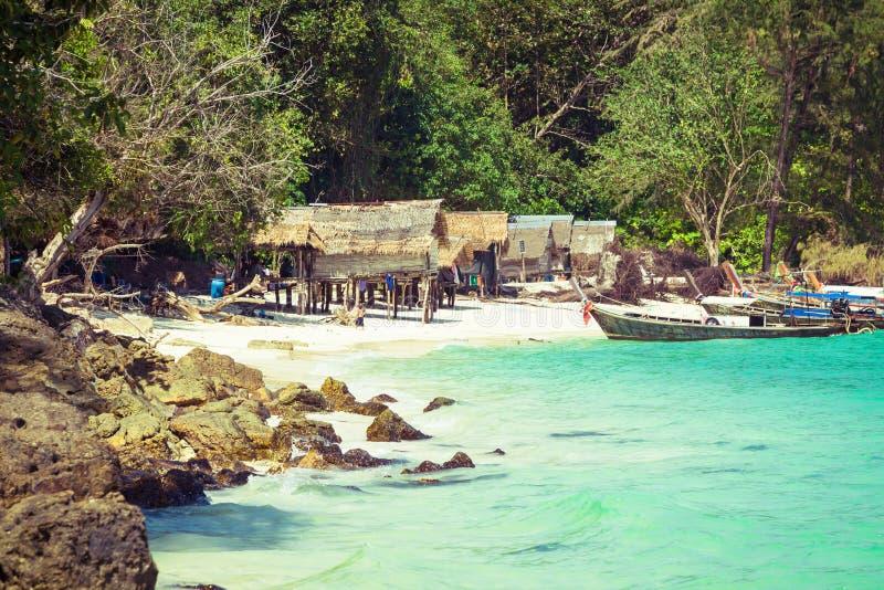 竹海岛是其他一个海岛在安达曼海在发埃酸碱度附近 库存图片