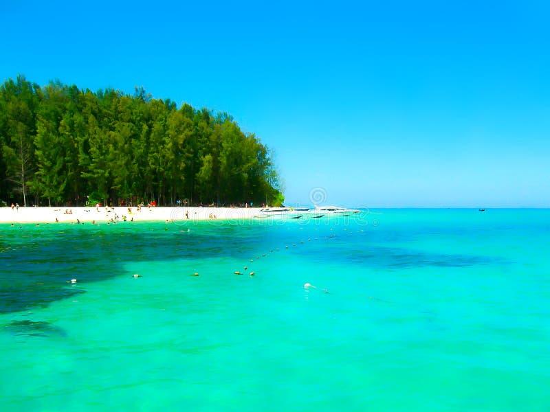 竹海岛是其他一个海岛在安达曼海在发埃发埃海岛,泰国附近 免版税库存图片