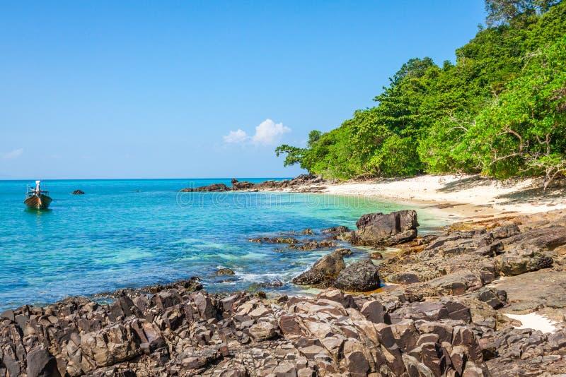 竹海岛是其他一个海岛在安达曼海在发埃酸碱度附近 免版税库存照片