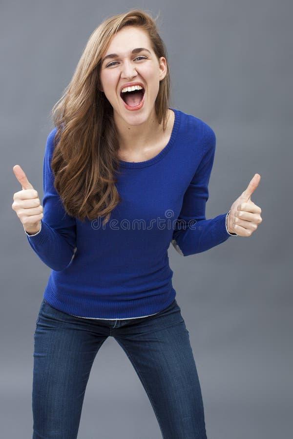 笑的华美的20s妇女两次满意 免版税库存照片