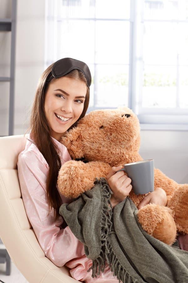 笑的妇女早晨纵向  免版税库存图片