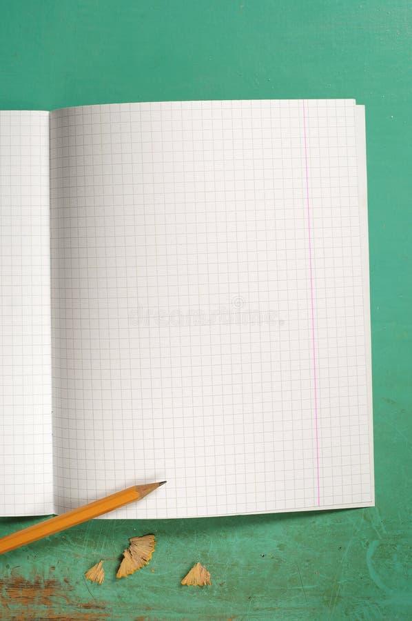 笔记本被开张的学校 库存照片