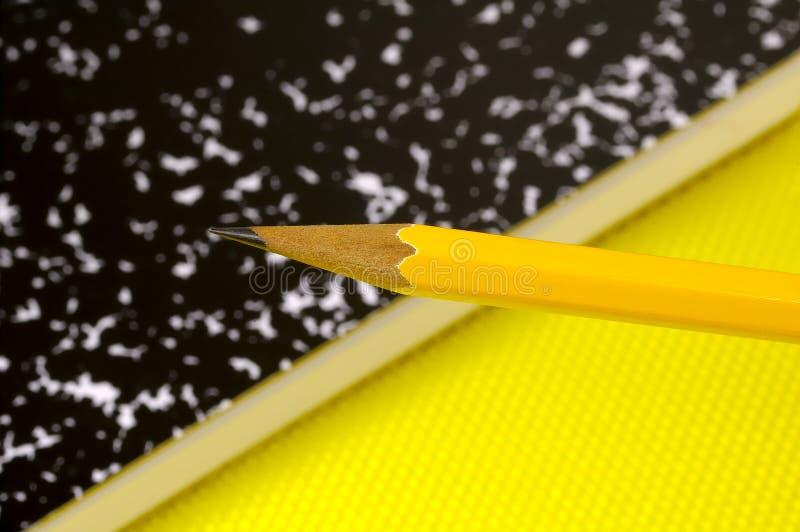 Download 笔记本铅笔 库存照片. 图片 包括有 削尖, 纸张, 记事本, 办公室, 用品, 服务台, 每天, 选件类, 铅笔 - 182340