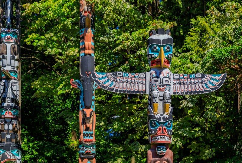 第一个国家美洲印第安人图腾柱在史丹利公园在范 图库摄影