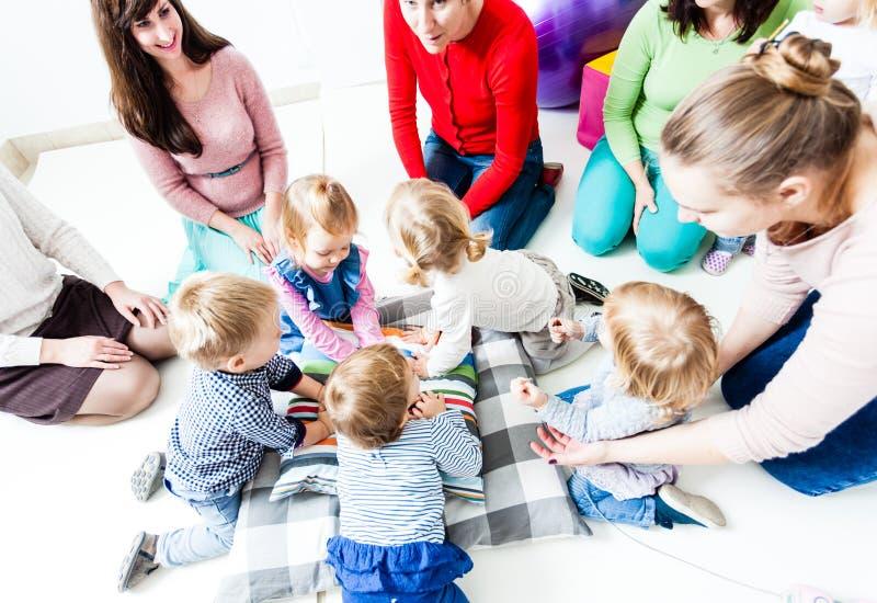 第一天孩子在幼儿园 免版税库存照片