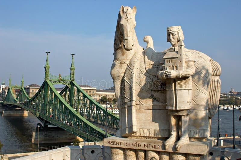 第一座匈牙利ishtvav国王纪念碑 免版税库存照片