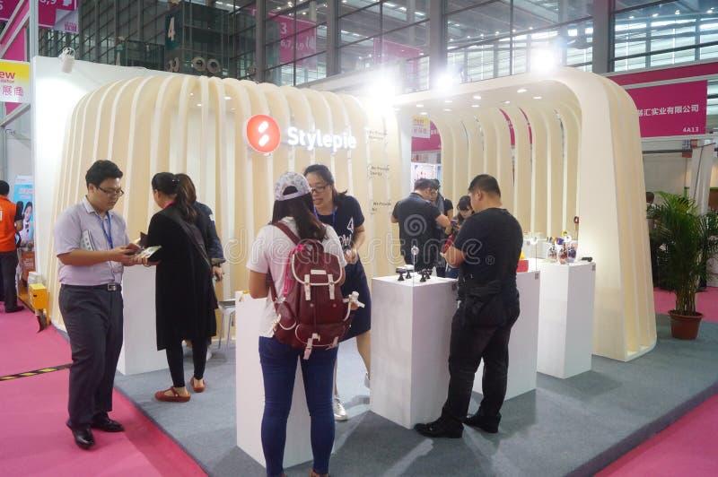 第二十四种中国(深圳)国际礼物、艺术&工艺,家供应陈列 库存图片