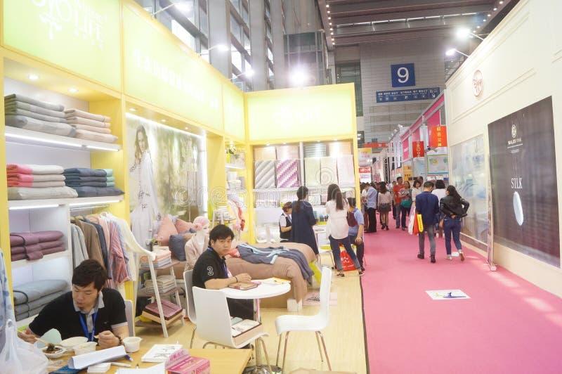 第二十四种中国(深圳)国际礼物、艺术&工艺,家供应陈列 免版税库存照片