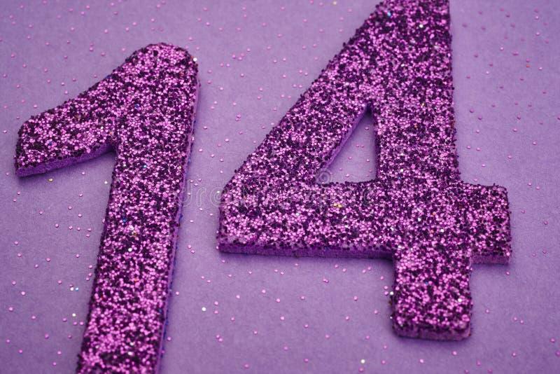第在紫色背景的十四种紫色颜色 Anniversa 免版税库存照片