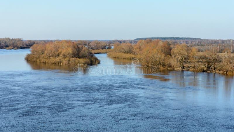 第聂伯河的溢出在春天 免版税库存照片