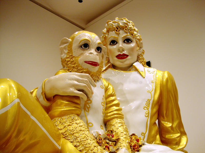 25 2010年第75个周年纪念泡影显示弗朗西斯科・杰克逊januanary杰夫koons迈克尔moma瓷圣雕塑显示作为 免版税图库摄影