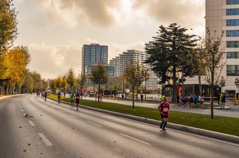 第40场国际伊斯坦布尔马拉松和运动员 库存照片