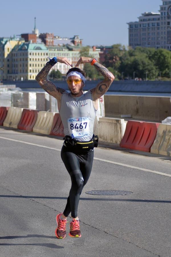 第5场莫斯科马拉松的参加者 库存图片