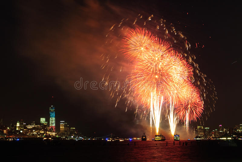 第4 7月烟花在纽约 免版税库存图片
