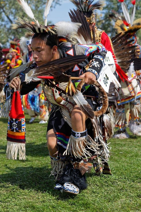 第49本年鉴的舞蹈家团结了双标志的部落战俘Wow 库存照片