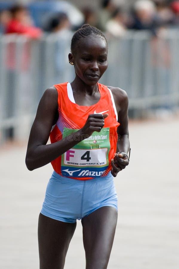 第2个城市女性马拉松米兰安排赢利地& 免版税库存图片