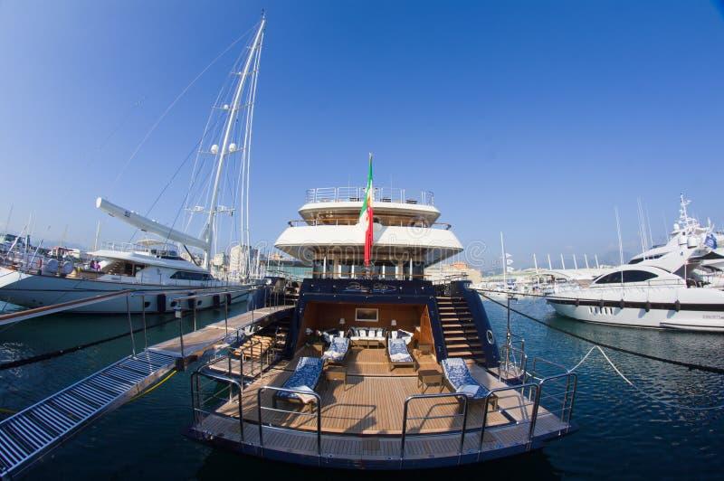 第50个小船编辑热那亚意大利显示 免版税库存图片