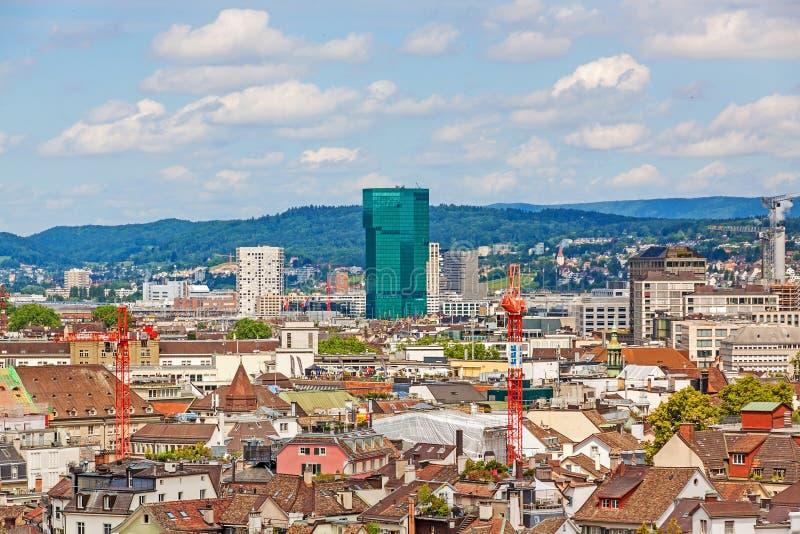 头等塔、苏黎世和都市风景 库存图片