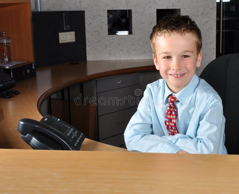 等待年轻人的客户人 图库摄影