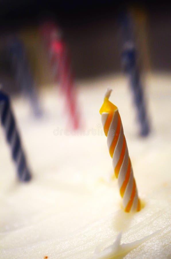 等待生日的蜡烛是升2 免版税图库摄影